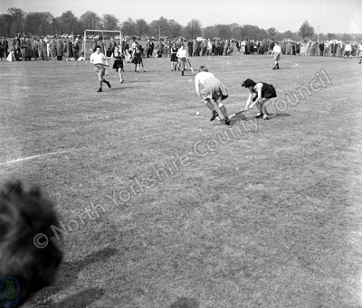 Harrogate, The Stray, Hockey, 1957